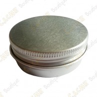 Discrete tiny container, perfect for urban caches!