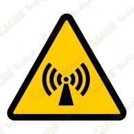 "Cache ""Danger de radiations"""