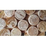 Géocoins en bois personnalisés x 100